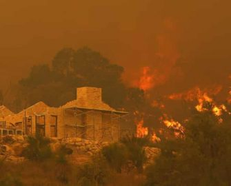 Perth bushfire: Evacuations as dozens of homes destroyed