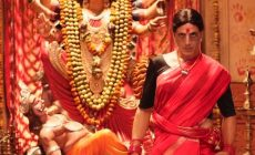 Laxmmi Bomb trailer: Akshay Kumar transforms into sari-clad ghost, lives life 'queen size'. Watch